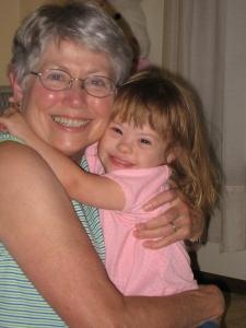 GrandmaAnnaAndStephanie-200609